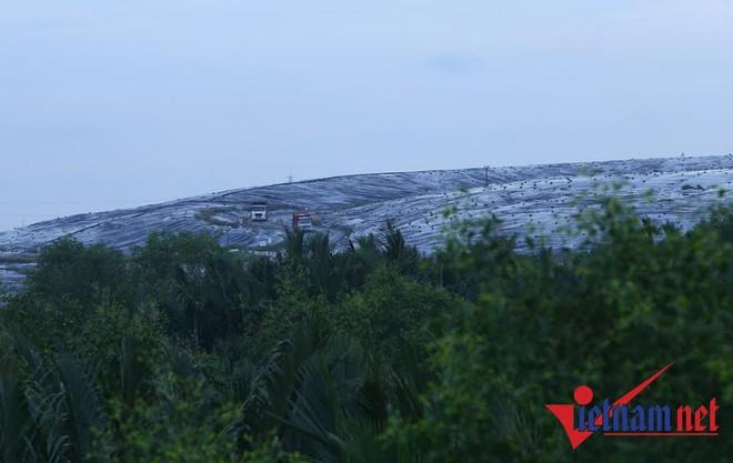 TPHCM họp khẩn vụ Đa Phước trả 2.000 tấn rác