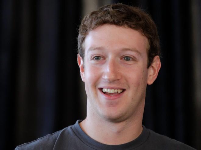 """Một số cổ đông muốn """"đá"""" Mark Zuckerberg khỏi hội đồng quản trị Facebook"""