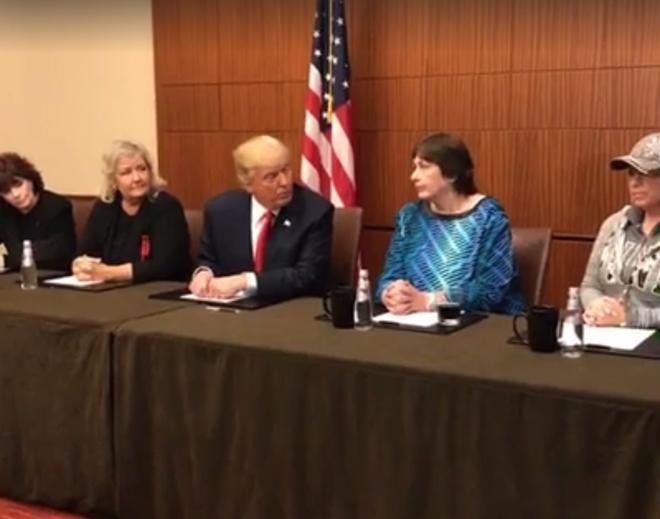 """Những người phụ nữ tố đã bị Bill Clinton hiếp dâm - """"Vũ khí"""" của Donald Trump"""