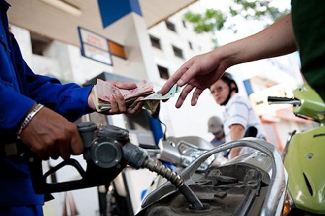 Giá xăng tăng cao nhất gần 1000 đồng/lít, giữ nguyên mức trích lập bình ổn