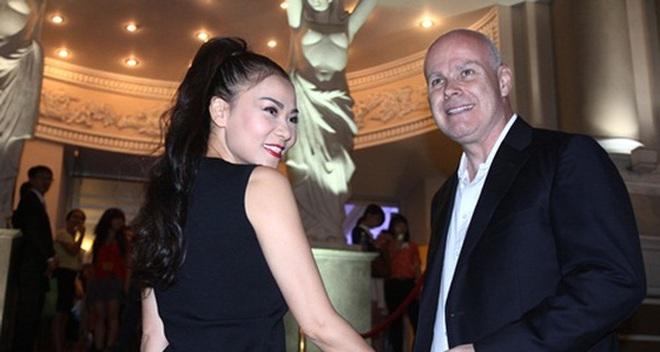 """Người tố vợ chồng Thu Minh quịt nợ vừa công khai hợp đồng phản pháo cáo buộc """"hàng xuất bị hỏng"""" của Global Home"""