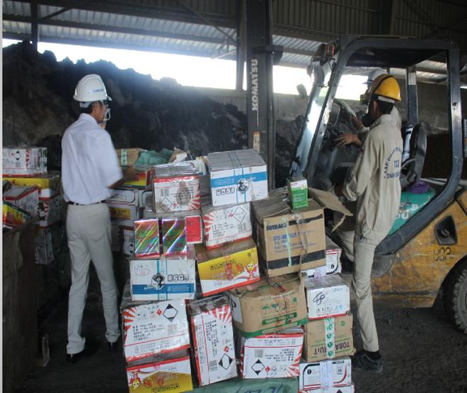 Bắt giữ, tiêu hủy 5 tấn thuốc bảo vệ thực vật nhập lậu
