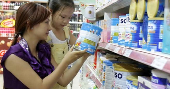 """Hai tháng nữa sẽ """"dỡ trần"""" giá sữa cho trẻ em?"""