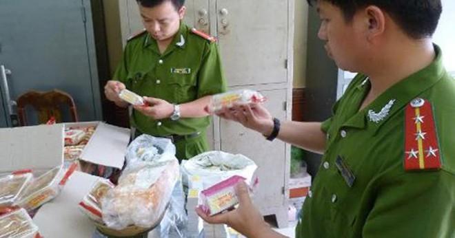 Bánh Trung thu nhái thương hiệu bán giá rẻ liệu có an toàn thực phẩm? - ảnh 1