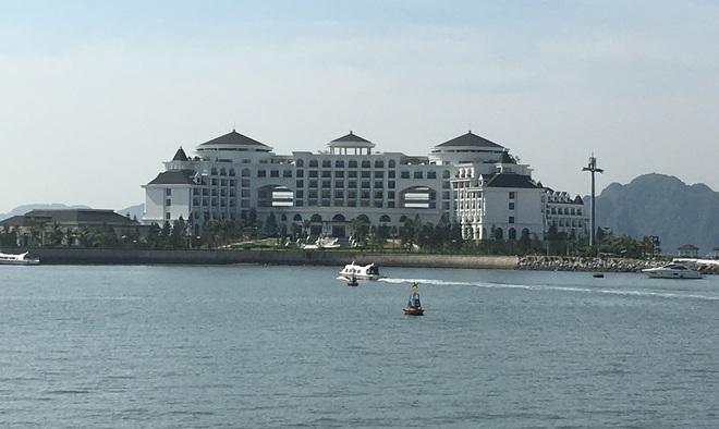 """100.000 tỷ và các """"ông lớn"""" BĐS Sungroup, Vingroup, FLC…đang biến nơi này thành """"thiên đường"""" du lịch của Việt Nam"""
