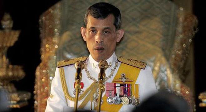 Thái tử Vajiralongkorn - người kế vị ồn ào ngai vàng Thái