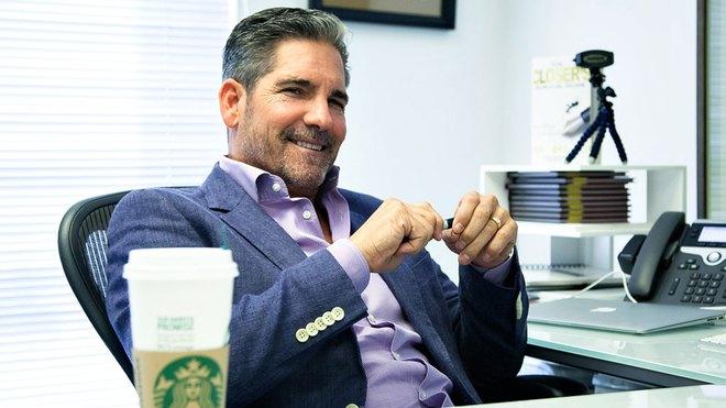 Triệu phú tự thân Grant Cardone: Mức lương ổn định, làm việc 8 tiếng/ngày kìm hãm bạn làm giàu