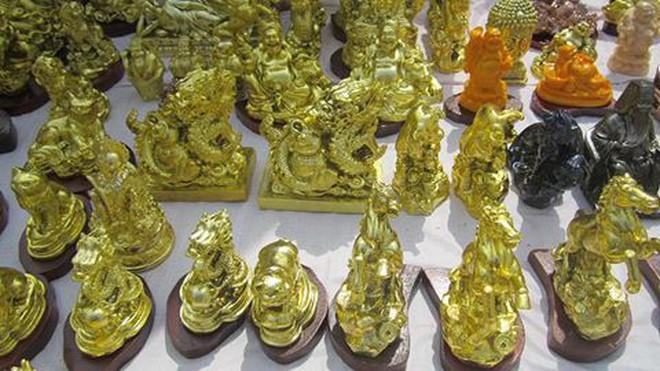 Giám đốc người Nhật buôn lậu 7 pho tượng vàng