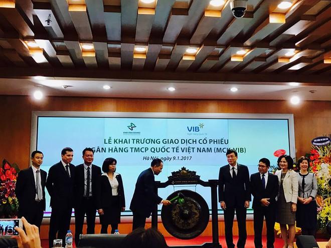 Cổ phiếu VIB chính thức chào sàn, giá tham chiếu 17.000 đồng/cổ phiếu