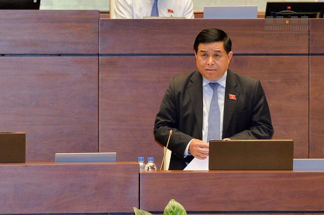 Nể nang với khó khăn của các ngành, địa phương, Bộ trưởng Kế hoạch và đầu tư nhận trách nhiệm trước Quốc hội