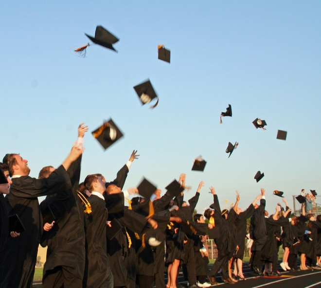 10 bước để một sinh viên mới tốt nghiệp 21 tuổi có thể trở thành triệu phú vào năm 30 tuổi