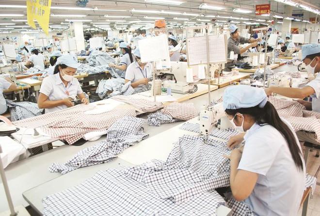Điện thoại, dệt may tạo điểm sáng cho xuất khẩu đầu năm