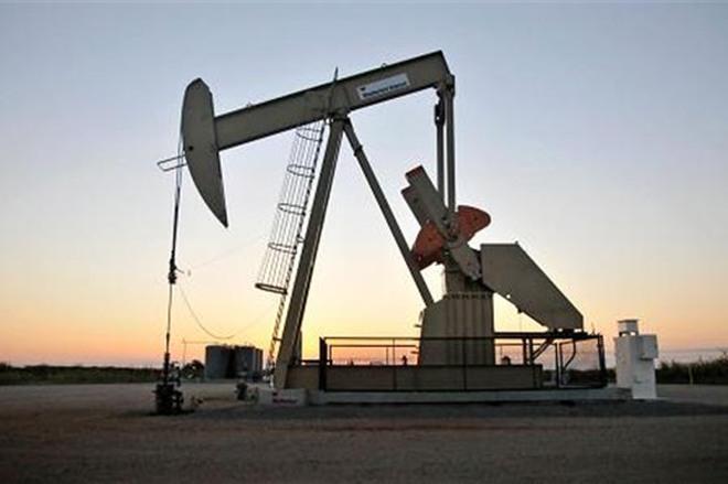 Saudi Arab cắt giảm sản lượng, giá dầu tăng gần 1%