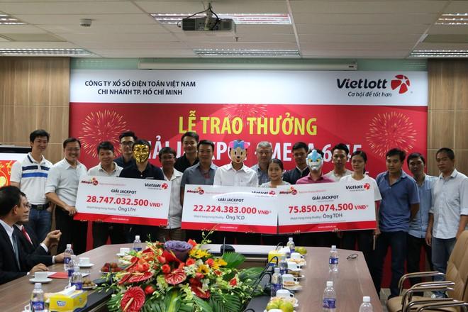 Vietlott bất ngờ trao giải cùng lúc cho 3 người trúng jackpot