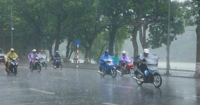 Hà Nội chuẩn bị có mưa dông lớn khả năng gây tố, lốc, gió giật mạnh