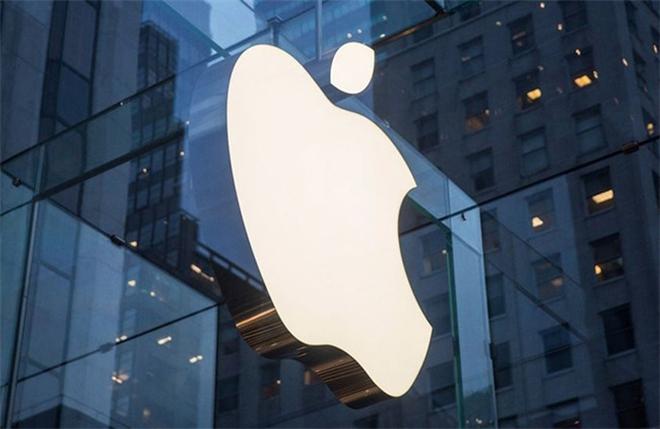 """Sau """"tối hậu thư"""" của Apple, các cửa hàng ở Việt Nam đối phó kiểu gì?"""