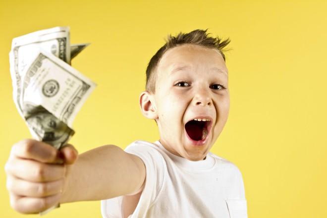 Sẽ là sai lầm khó cứu vãn nếu bạn nói với con 6 điều về tiền bạc dưới đây
