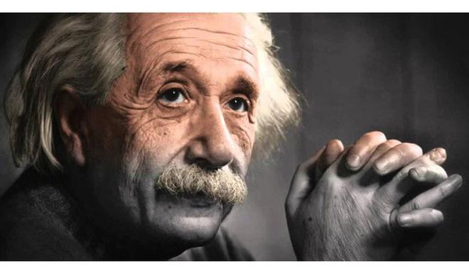 Nhà vật lý vĩ đại người Đức Albert Einstein