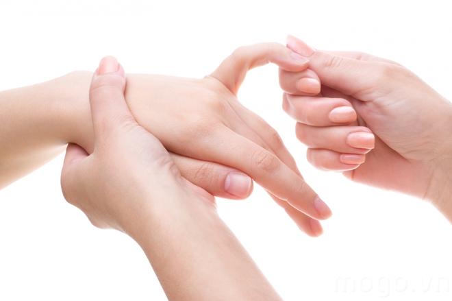 Sống    lâu   nhờ  ngón    tay.