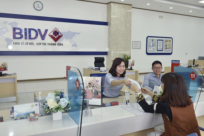 Mục tiêu trả cổ tức cao hơn gửi tiết kiệm kỳ hạn 1 năm, BIDV đang khiến cổ đông nhiều ngân hàng phải ghen tị