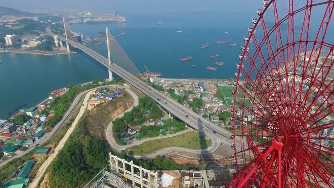 [Video]: Chiêm ngưỡng những 'kỳ quan' của TP Hạ Long từ flycam với độ cao 300m