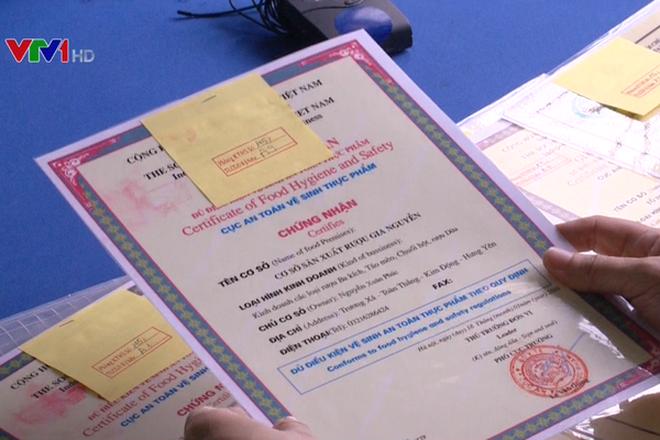 Phát hiện vụ làm giả giấy chứng nhận VSATTP ở Hưng Yên