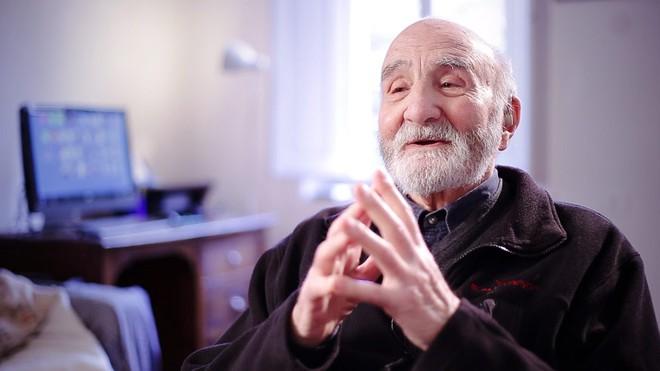 """Đừng thấy """"già"""" mà lười: Tuổi tác không phải rào cản trong việc học ngoại ngữ"""