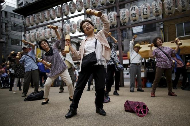 Ngả mũ kính phục tinh thần học tập suốt đời của người Nhật