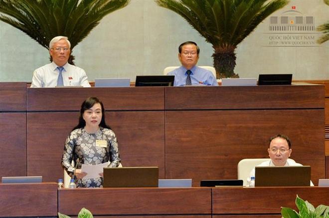 Bộ trưởng Kim Tiến: Tiền trực ngành y đã mua được bát phở
