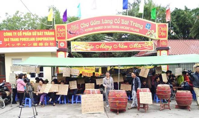Doanh nghiệp tự ý đóng cửa chợ, dân Bát Tràng lao đao