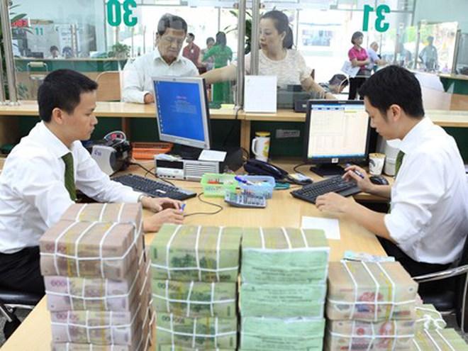 Ngân hàng hút về lượng tiền khổng lồ sau Tết