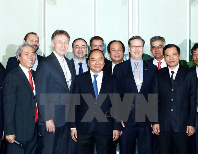 Thủ tướng gặp gỡ lãnh đạo 21 doanh nghiệp hàng đầu thế giới