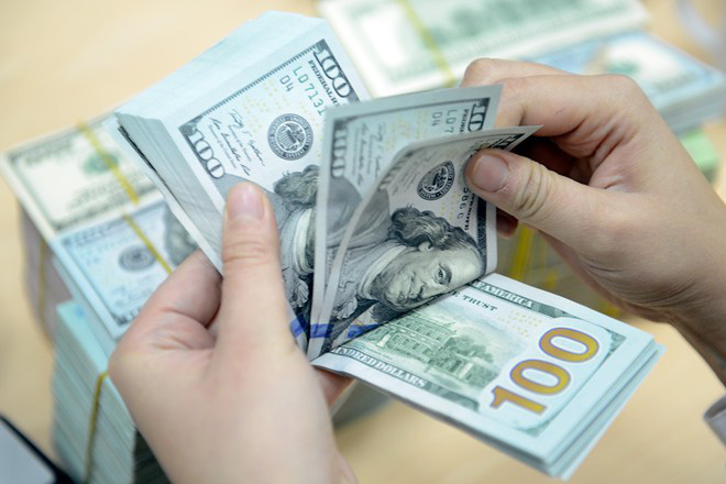 Giá USD tăng vọt, chạm mốc 22.700 đồng