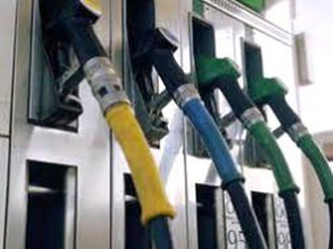 Trình dự thảo sửa đổi, bổ sung Nghị định về kinh doanh xăng, dầu trước 30/6