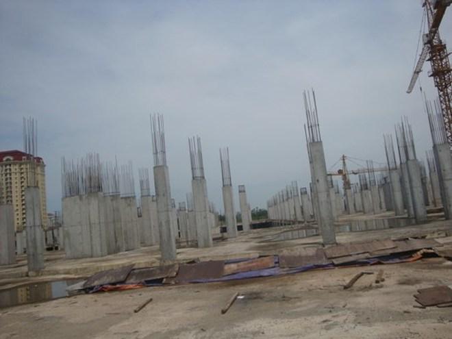 """""""Chôn"""" tiền tỷ dưới đất vàng, Ciputra Mall biến thành công trường """"ma"""""""