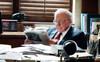 Sau nhiều thập kỷ giấu kín, Warren Buffett dường như sắp tiết lộ người kế nghiệp mình tại Berkshire Hathaway khi nói về cái chết