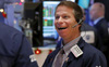 """Dow Jones vượt mốc 24.000 điểm, phố Wall có bước """"chạy đà"""" mạnh nhất trong 13 năm"""