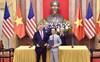 Tổng Bí thư - Chủ tịch nước Nguyễn Phú Trọng và Tổng thống Mỹ Donald Trump chứng kiến lễ ký kết mua 10 máy bay của Bamboo Airways