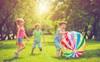 Bí quyết dạy trẻ của cha mẹ Bắc Âu mà thế giới cần học hỏi: Điều đầu tiên, không mua quá nhiều đồ chơi cho con