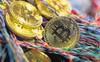 Bitcoin trở lại mốc 10.000 USD: