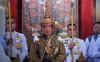 Vua Thái Lan đăng cơ với vương miện nặng 7,3 kg, trang trí nhiều vàng và kim cương