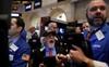 Mỹ hoãn áp thuế với Trung Quốc, Dow Jones bật tăng gần 500 điểm