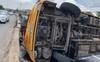 Video: Xe khách chở khoảng 20 người xuất bến từ TP HCM bị lật ở Bình Dương