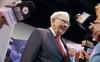 Phần lớn nhà đầu tư 'quay lưng' với cổ phiếu nhóm này, tại sao Warren Buffett lại đi ngược xu hướng và tích cực mua lượng lớn cổ phần?