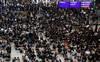 Hệ lụy biểu tình kéo dài, khách Hong Kong dến Việt Nam giảm mạnh