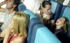 Hàng không Nhật Bản ra mắt biểu tượng mới, thông báo vị trí trẻ em trên máy bay