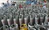 Giá gas lại tăng thêm 7.000 đồng/bình 12kg