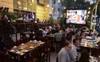 Cấm bán rượu, bia sau 22 giờ: Quán ở phố Bùi Viện lo phá sản
