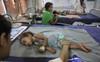 Vì thói quen ăn vải kiểu này, mỗi năm hơn 100 trẻ em ở miền bắc Ấn Độ đã tử vong