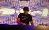 Sếp ngân hàng tỷ USD Goldman Sachs: Ngày là CEO, tối về làm DJ part-time lấy tiền đi từ thiện